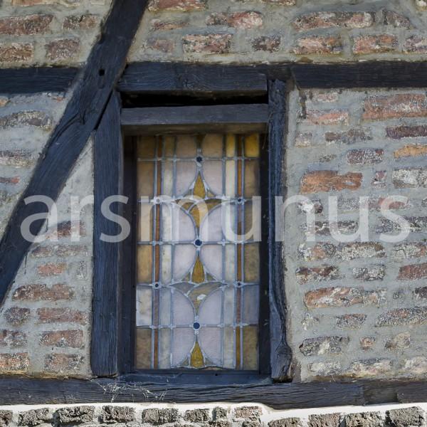 Bleiglasfenster in altem Fachwerkhaus