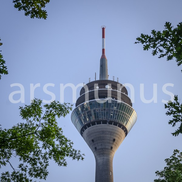 Spitze des Fernsehturms Düsseldorf