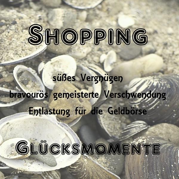 Elfchen Shopping mit Muschelhintergrund