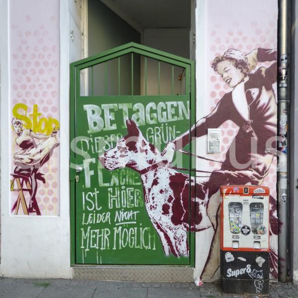 Streetart im Stil der 50er Jahre mit Kaugummiautomat